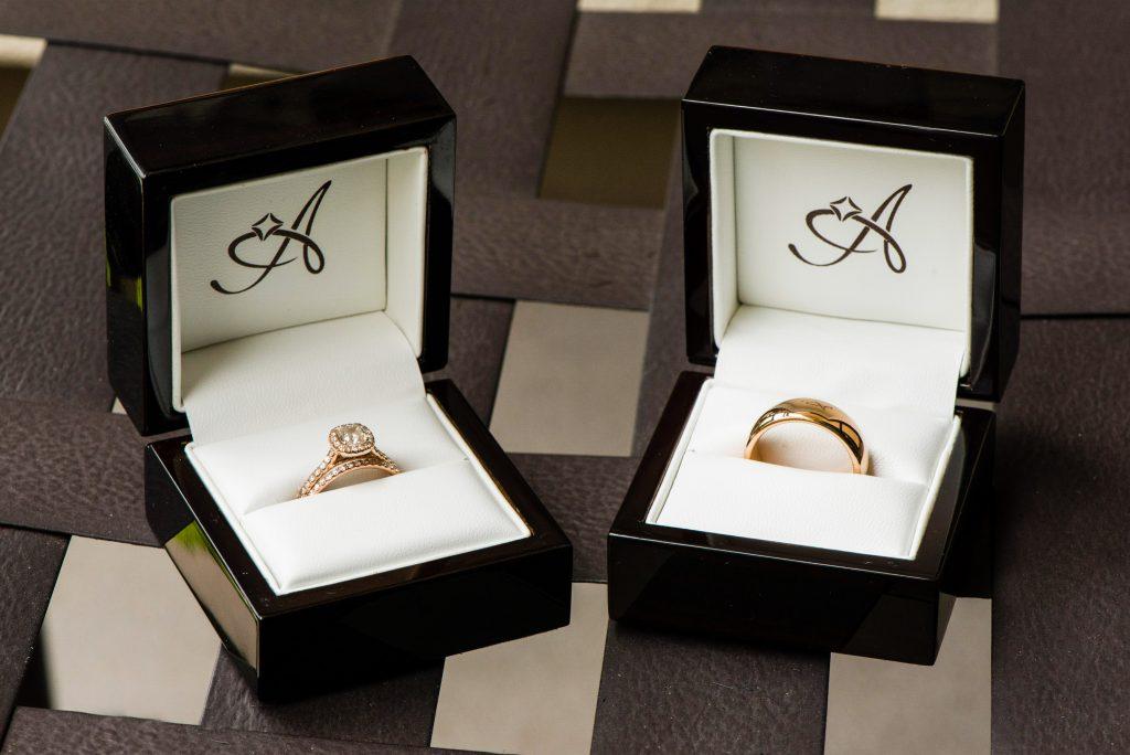 Gold couple wedding rings