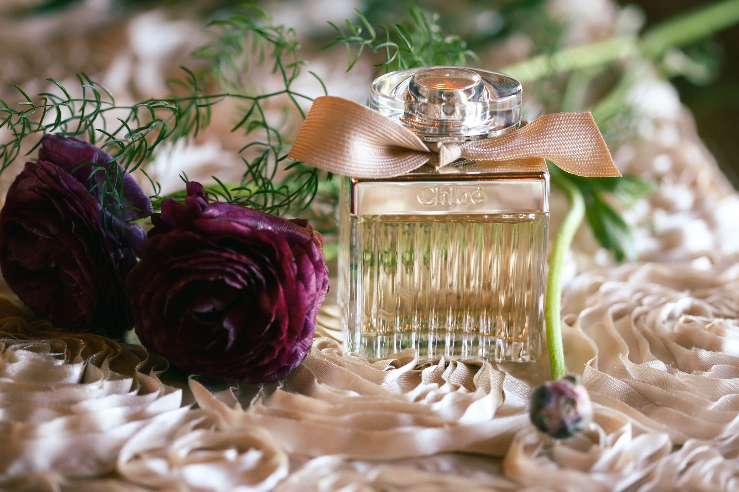 Here's some trendiest wedding inspiration to set the perfect mood for your wedding with these amazing ideas of fragrances!
